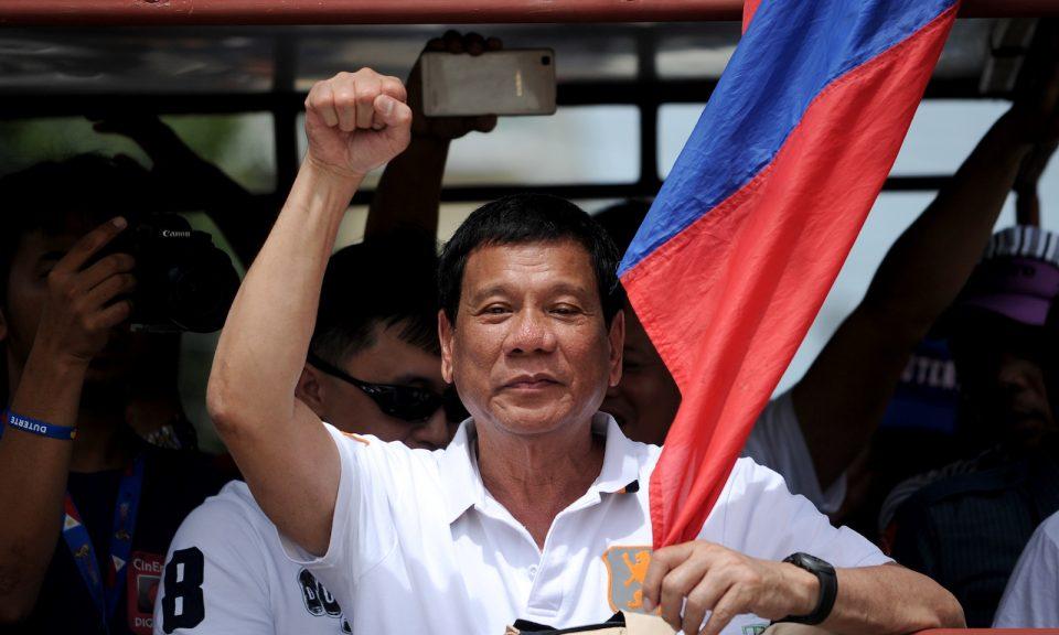 Philippines-Rodrigo-Duterte-Flag-March-15-2016-960x576